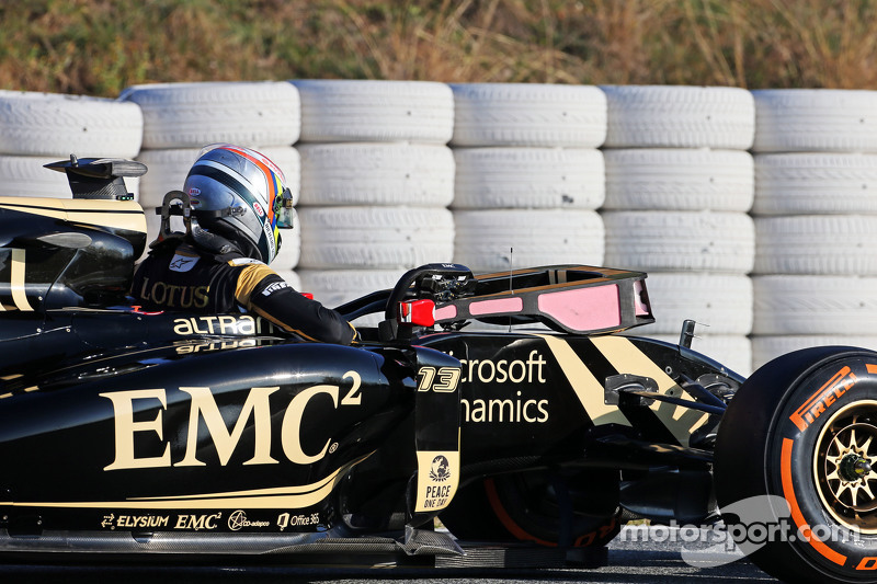 Пастор Мальдонадо, Lotus F1 E23 зупинився на треку
