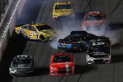 Sam Hornish Jr., Richard Petter Motorsports Ford e Alex Bowman, Tommy Baldwin Racing com problemas