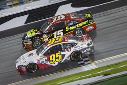 Michael McDowell, Leavine Family Racing Ford, Clint Bowyer, Michael Waltrip Racing Toyota