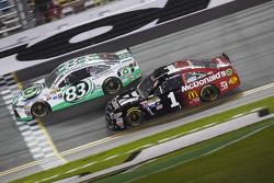 Johnny Sauter, BK Racing Toyota, Jamie McMurray, Ganassi Racing Chevrolet