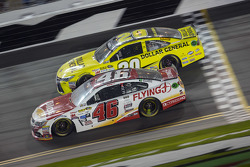 Michael Annett, HScott Motorsports Chevrolet, Matt Kenseth, Joe Gibbs Corrida Toyota