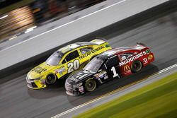 Matt Kenseth, Joe Gibbs Racing Toyota, Jamie McMurray, Ganassi Chevrolet