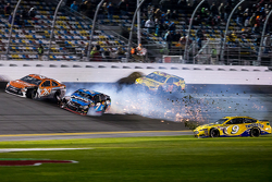Sam Hornish jr., Richard Petty Motorsports, Ford; Alex Bowman, Tommy Baldwin Racing, und Jeb Burton,