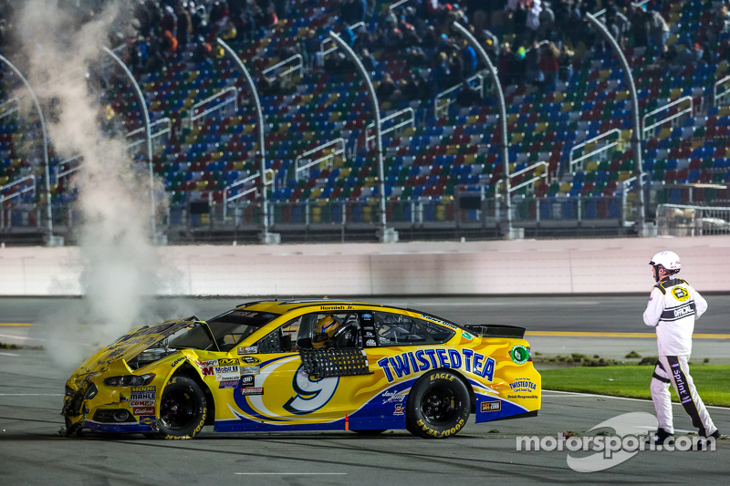 Sam Hornish Jr., Richard Petty Motorsports Ford com problemas