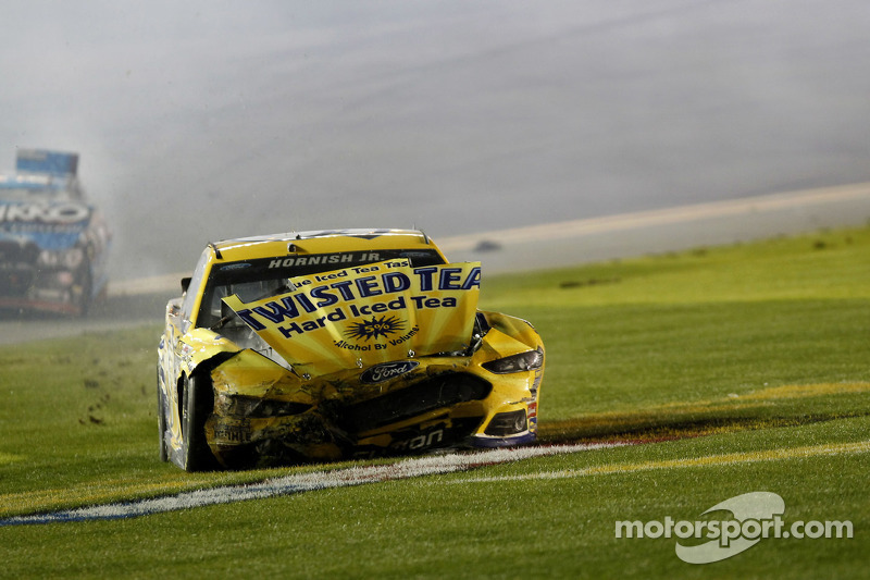 Sam Hornish Jr., Richard Petty Motorsports Ford com problemas