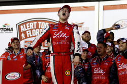 Racewinnaar Ryan Reed, Roush Fenway Racing Ford, viert feest