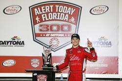 Il vincitore della gara Ryan Reed, Roush Fenway Racing Ford festeggia