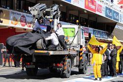 La voiture accidentée de Fernando Alonso, McLaren