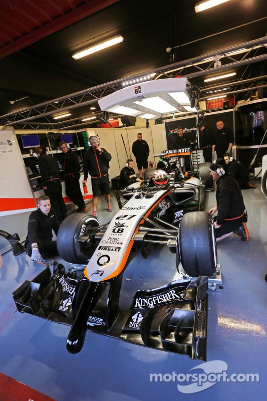 نيكو هلكنبرغ، سهارا فورس إنديا للفورمولا 1 على متن سيارة في جيه أم 07 في منصات الصيانة
