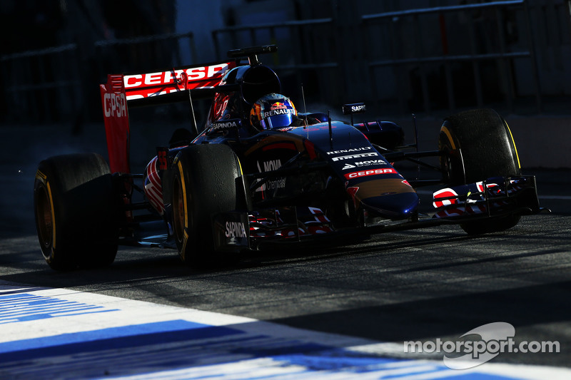 Cuatro son los motoristas que han acompañado a Toro Rosso. Se estrenaron con Cosworth en 2006, pasaron a Ferrari de 2007 a 2013 y, tras dos años con Renault (2015, el de la foto, y 2016), volvieron a Ferrari de cara a 2016. De nuevo llevaron propulsor Renault en 2017 para en 2018 pasar a ser el experimento de Red Bull llevando motores Honda antes de que el primer equipo hiciera lo propio en 2019.