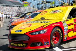 O carro de Joey Logano, Team Penske Ford