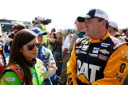 Danica Patrick, Stewart-Haas Racing Chevrolet, Ryan Newman, Richard Childress Racing Chevrolet