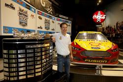 Joey Logano, da equipe Penske Ford