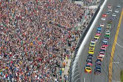 Relargada: Jeff Gordon, Hendrick Motorsports Chevrolet lidera