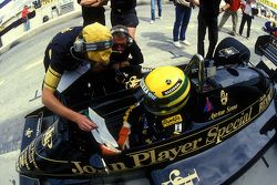 埃尔顿·塞纳,路特斯赛车,和Gérard Ducarouge
