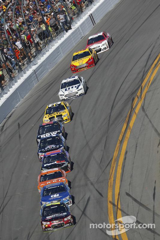 Jeff Gordon, Hendrick Motorsports Chevrolet lidera
