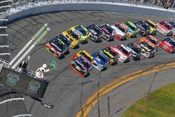 Nouveau départ : Jeff Gordon, Hendrick Motorsports Chevrolet en tête