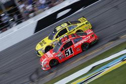 Justin Allgaier, HScott Motorsports Chevrolet, Matt Kenseth, Joe Gibbs Racing Toyota