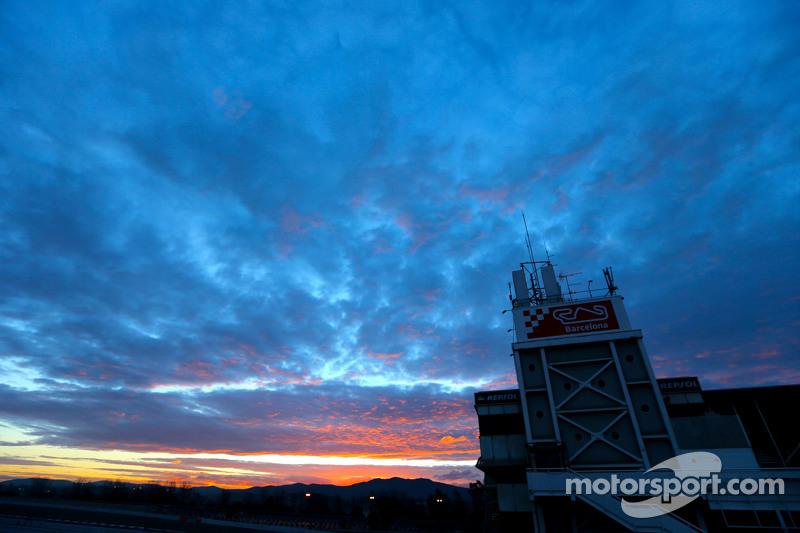 Das Fahrerlager am frühen Morgen