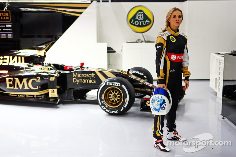 Кармен Хорда, Lotus F1 Team гонщик розвитку