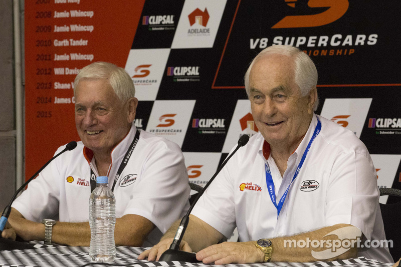 Roger Penske, und Dick Johnson, Team Penske
