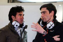 Серхио Перес и Тим Райт. Тесты Ф1 в Барселоне II, День 2.