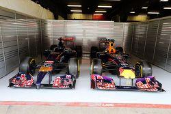 Old Scuderia Red Bull e Red Bull auto da corsa