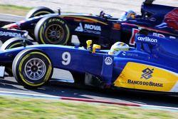 Marcus Ericsson, Sauber C34 y Carlos Sainz Jr, Scuderia Toro Rosso STR10