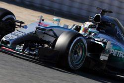 Льюис Хэмилтон. Тесты Ф1 в Барселоне II, День 3.