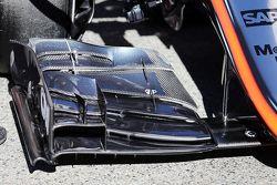 McLaren MP4-30 detalle de ala delantera