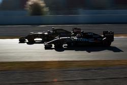 Romain Grosjean, Lotus F1 E23 y Nico Hulkenberg, Sahara Force India F1 VJM08