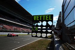 Pit board for Sebastian Vettel, Ferrari SF15-T
