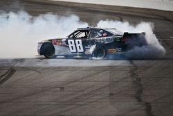 Kevin Harvick, JR Motorsports Chevrolet, viert feest