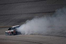 Kevin Harvick, Stewart-Haas Racing Chevrolet in trouble