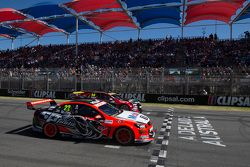 Start: James Courtney, Holden Racing Team