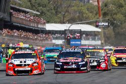 Start: James Courtney, Holden Racing Team, leidt