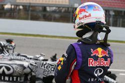 Daniel Ricciardo, Red Bull Racing RB11 stops on the circuit