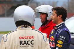 Daniel Ricciardo, Red Bull Racing RB11, se frena en el circuito