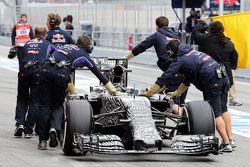 El Red Bull Racing RB11 de Daniel Ricciardo, Red Bull Racing RB11 en los pits