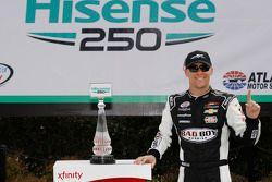 1. Kevin Harvick, JR Motorsports, Chevrolet, feiert
