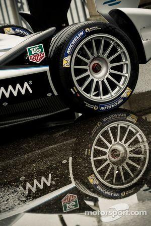 Une Formule E lors d'une conférence de presse à Genève