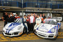 Nelson Piquet et son fils de 16 ans Pedro Piquet testent des Porsche 911 GT3 pour la Porsche GT3 Cup Brésil
