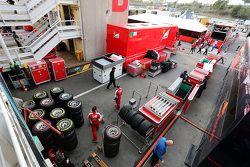 Ferrari y Scuderia Toro Rosso empacan al final de las pruebas