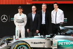 Qualcomm are announed as official technology partner for the Mercedes AMG F1 team, Mercedes AMG F1 Shareholder and Executive Director; Derek Aberle, Qualcomm Incorporated President; Toto Wolff, Mercedes AMG F1 Shareholder and Executive Director