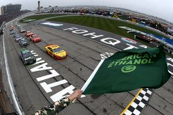 Start: Joey Logano, Team Penske Ford leads the field