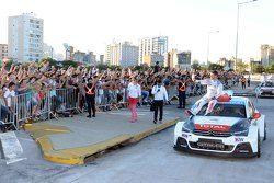 Jose Maria Lopez, Citroen C-Elysee WTCC, Citroën Total WTCC durante un desfile en Cordoba