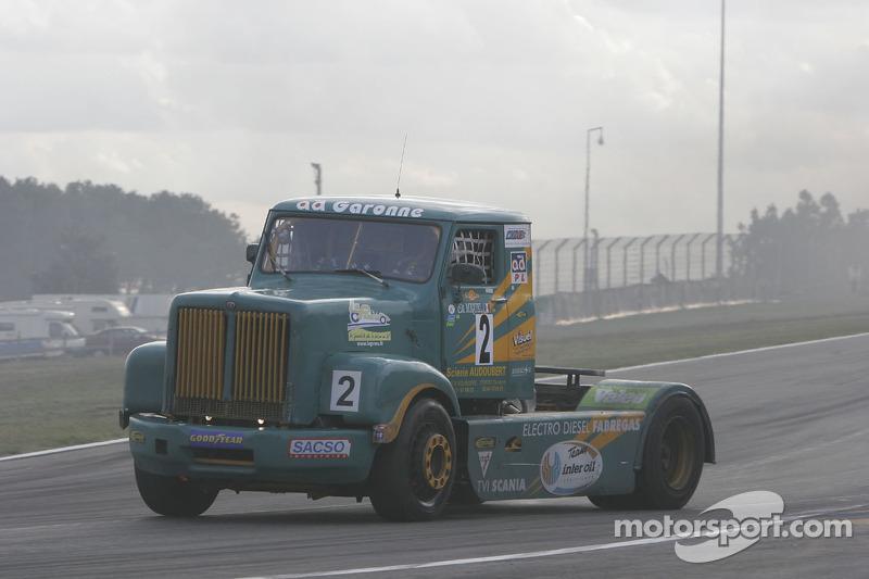 Éclair Vert Toulousain Scania : Christophe Miquel