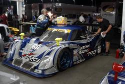 Cleaning up #66 Krohn Racing/ TRG Pontiac Riley: Jorg Bergmeister, Christian Fittipaldi