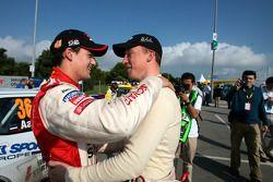 Daniel Sordo celebra el título del JWRC 2005 con Kris Meeke