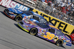 Mark Martin y Elliott Sadler